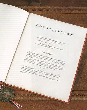 Dissertation loi constitutionnelle 3 juin 1958